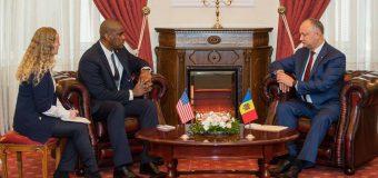 Noul ambasador al SUA în R. Moldova – la discuții cu Igor Dodon